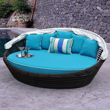 Melbourne Daybed with Premium Sunbrella® Fabric