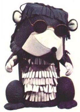 Momfer de Mol is een personage uit de Nederlandse poppenserie De Fabeltjeskrant. Hij is bekend om zijn Limburgse accent en zijn constante gekuch.  Momfer werkte jarenlang in de Limburgse mijnen voordat hij in het Grote Dierenbos kwam wonen. Hierdoor heeft hij last van kortademigheid, iets wat nog verergerd werd doordat hij een stevige sigarenroker is. De combinatie van zijn gekuch, zijn accent en zijn mompelende manier van spreken zorgt ervoor dat zijn mededieren hem soms maar moeilijk…