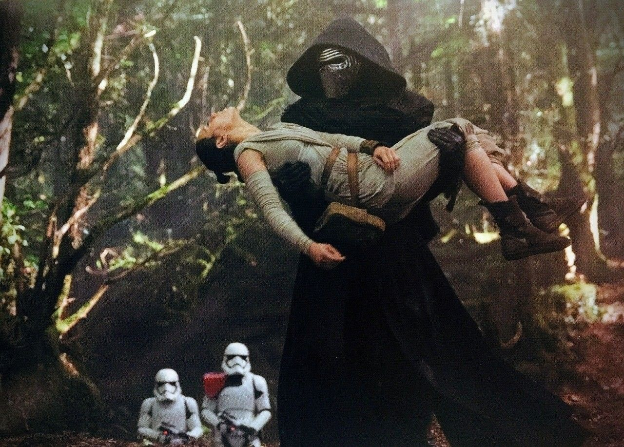 Daisy Ridley and Adam Driver as Rey and kylo ren... star wars episode VII the force awakens