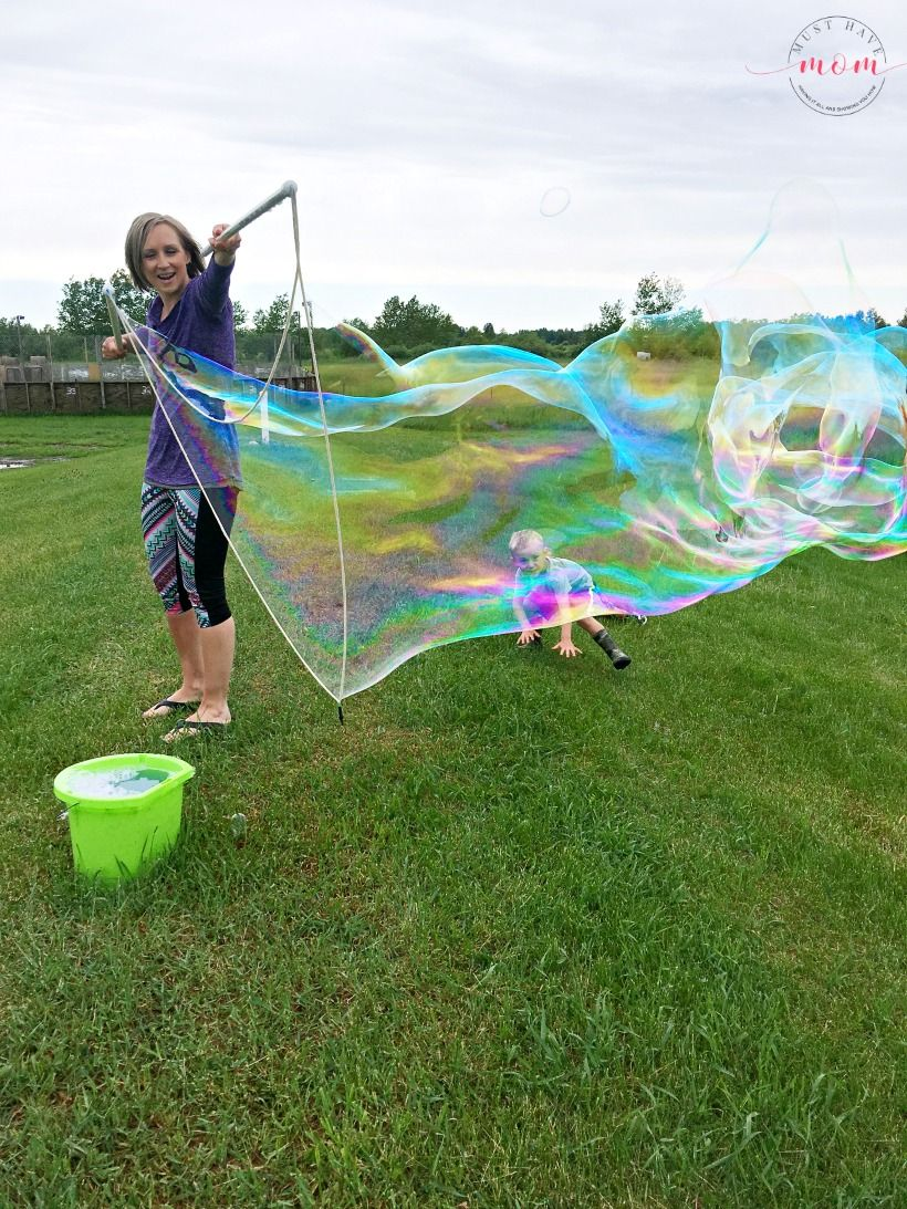 Blow giant soap bubbles with this Guinness world record