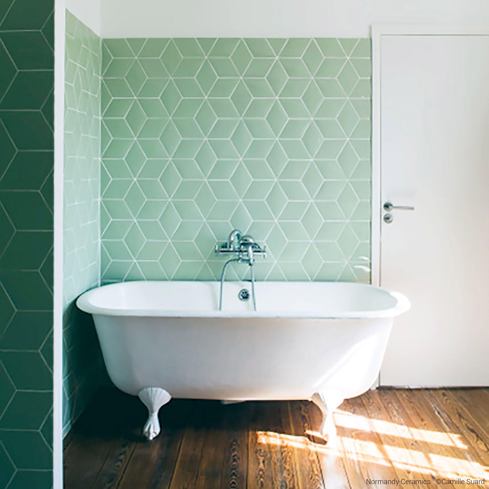 salle de bain gris et rose carreaux losanges camille flammarion x normandy ceramics