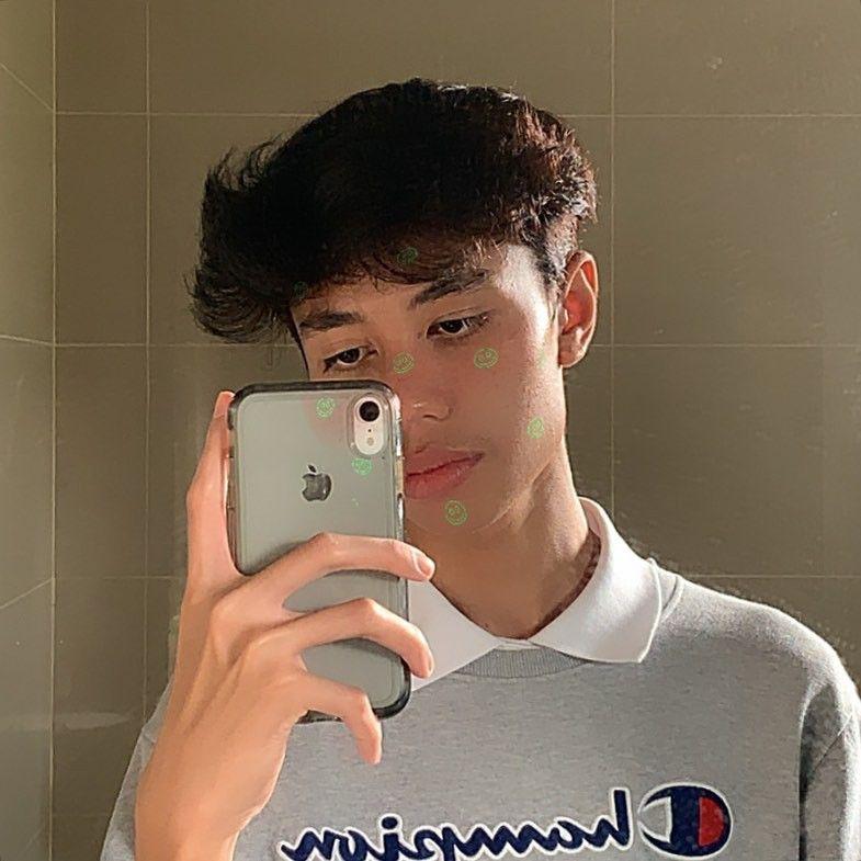 Pin By Dxnish Hxqimi On Amir Muzam Mirror Selfie Cute Boys Selfie