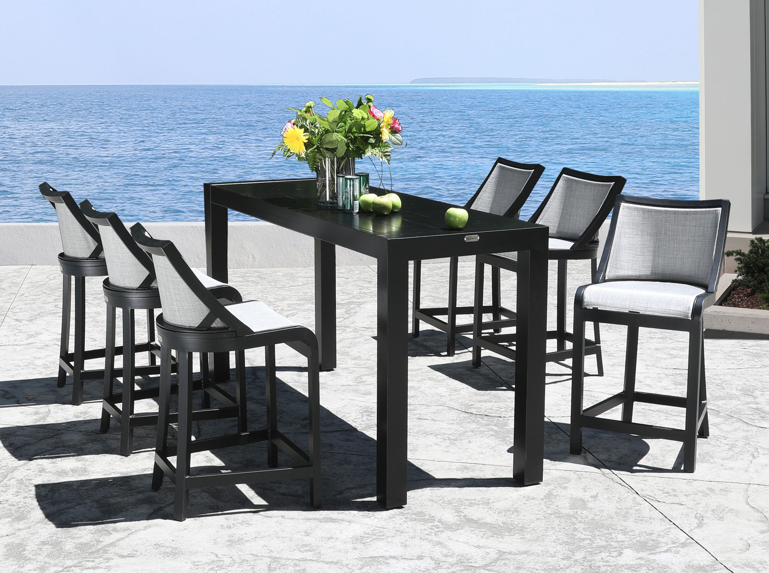 Better Together A Comfortable Outdoor Dining Experience In Style