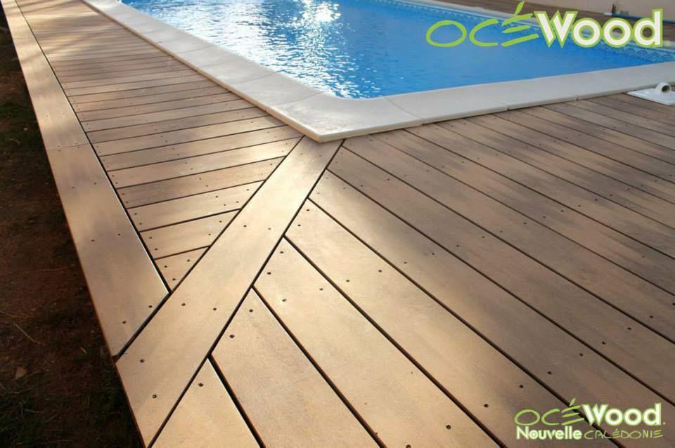 Lames de terrasse de piscine en bois composite havane chamarré