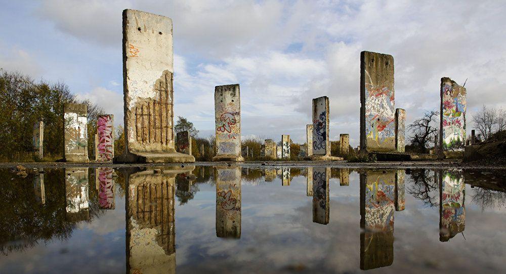 Teile der Berliner Mauer (Archiv)