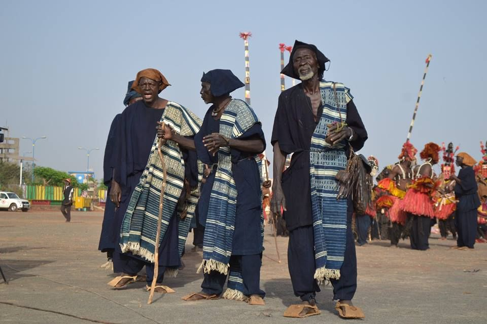 Dogon elders wearing indigo and white cotton uldebe cloths. These cloths are still important among the Dogon as a mark of high status and will play an important role in funeral rites. Photo by Boukary Konate on Facebook.