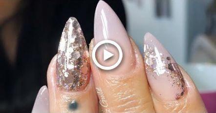 ALMOND OMBR ACRYLIC NAILS #nails #acrylicnailsalmond #chromenails