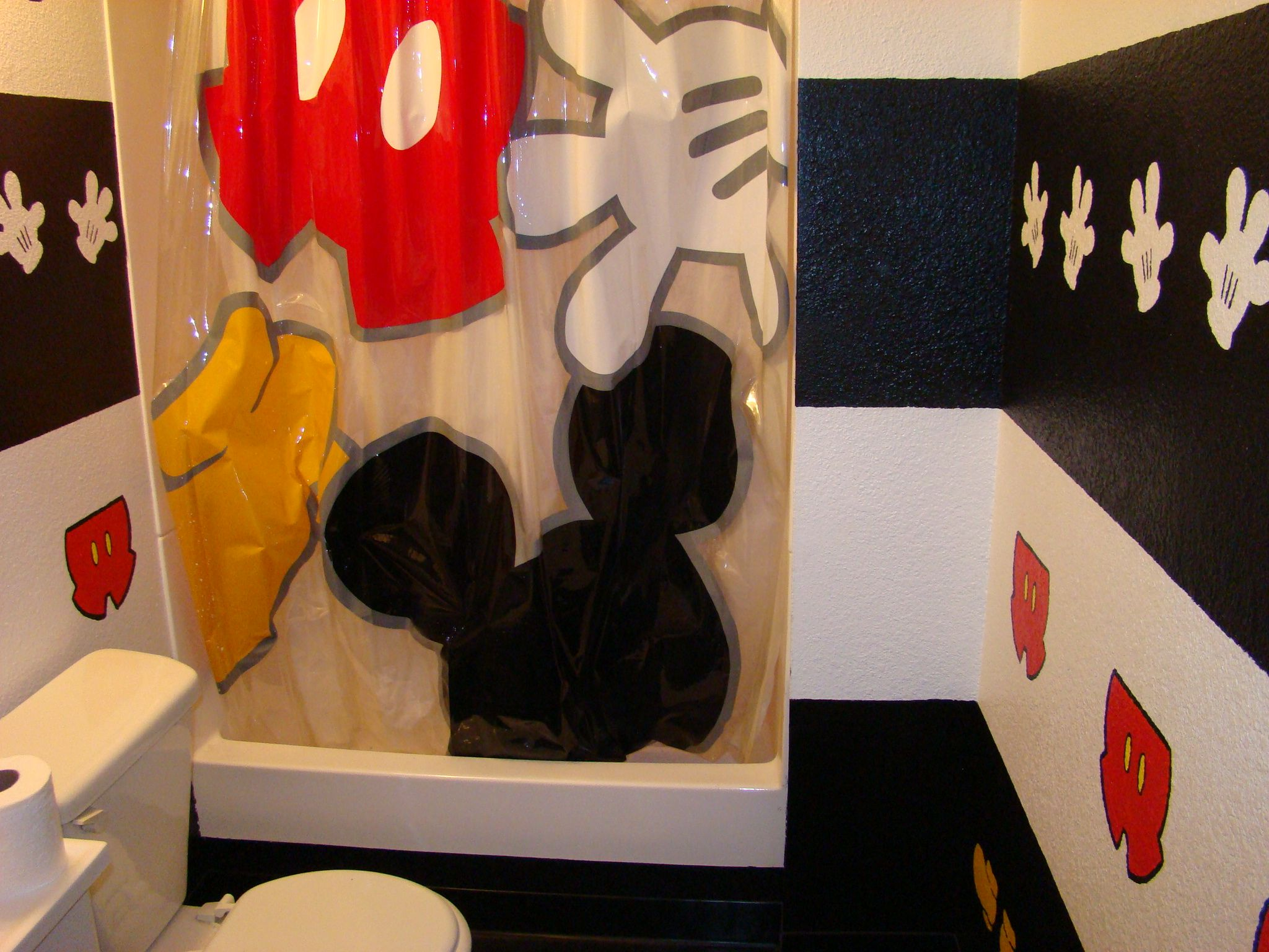mickey mouse inspired bathroom mickey minnie mouse pinterest
