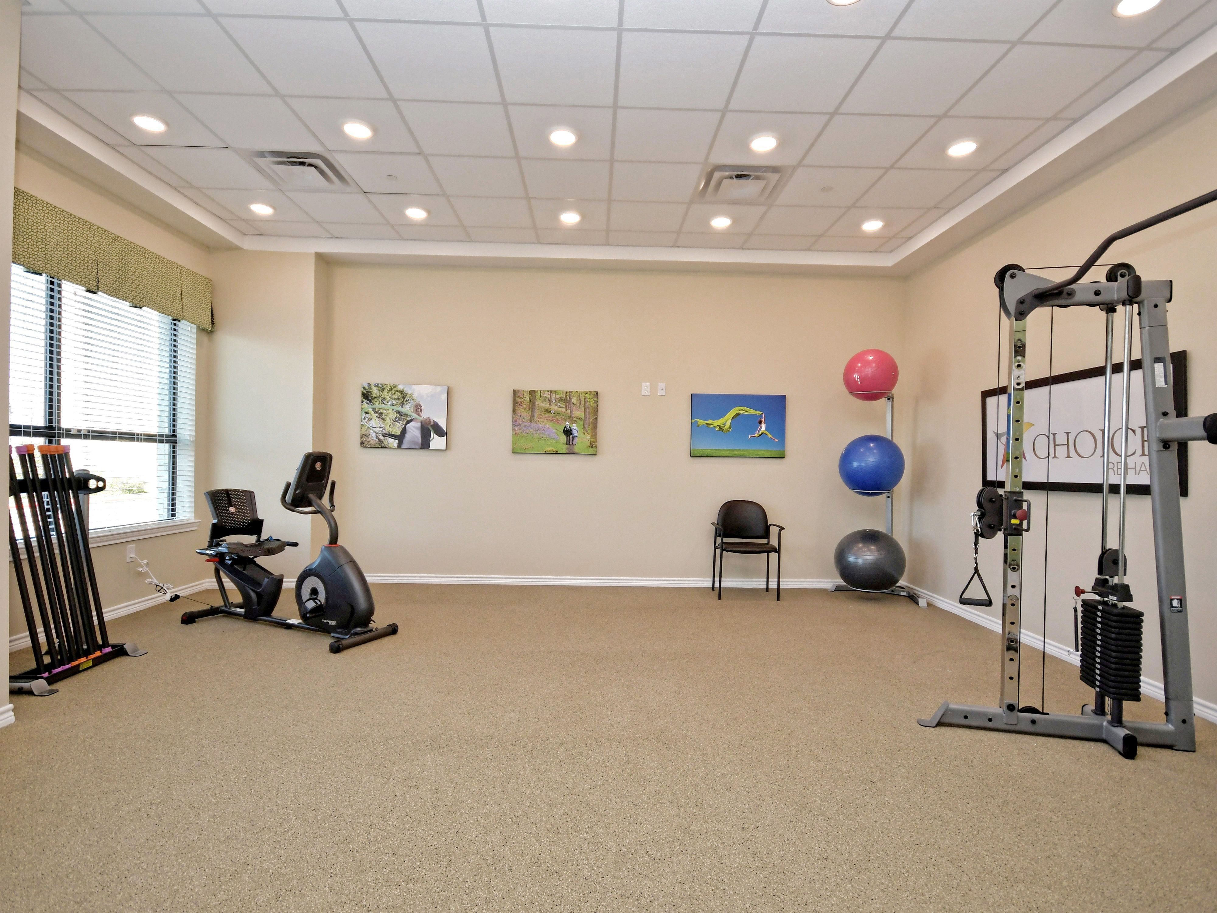 Fitness Room In Assisted Living In Austin Senior Living Communities Senior Living Workout Rooms