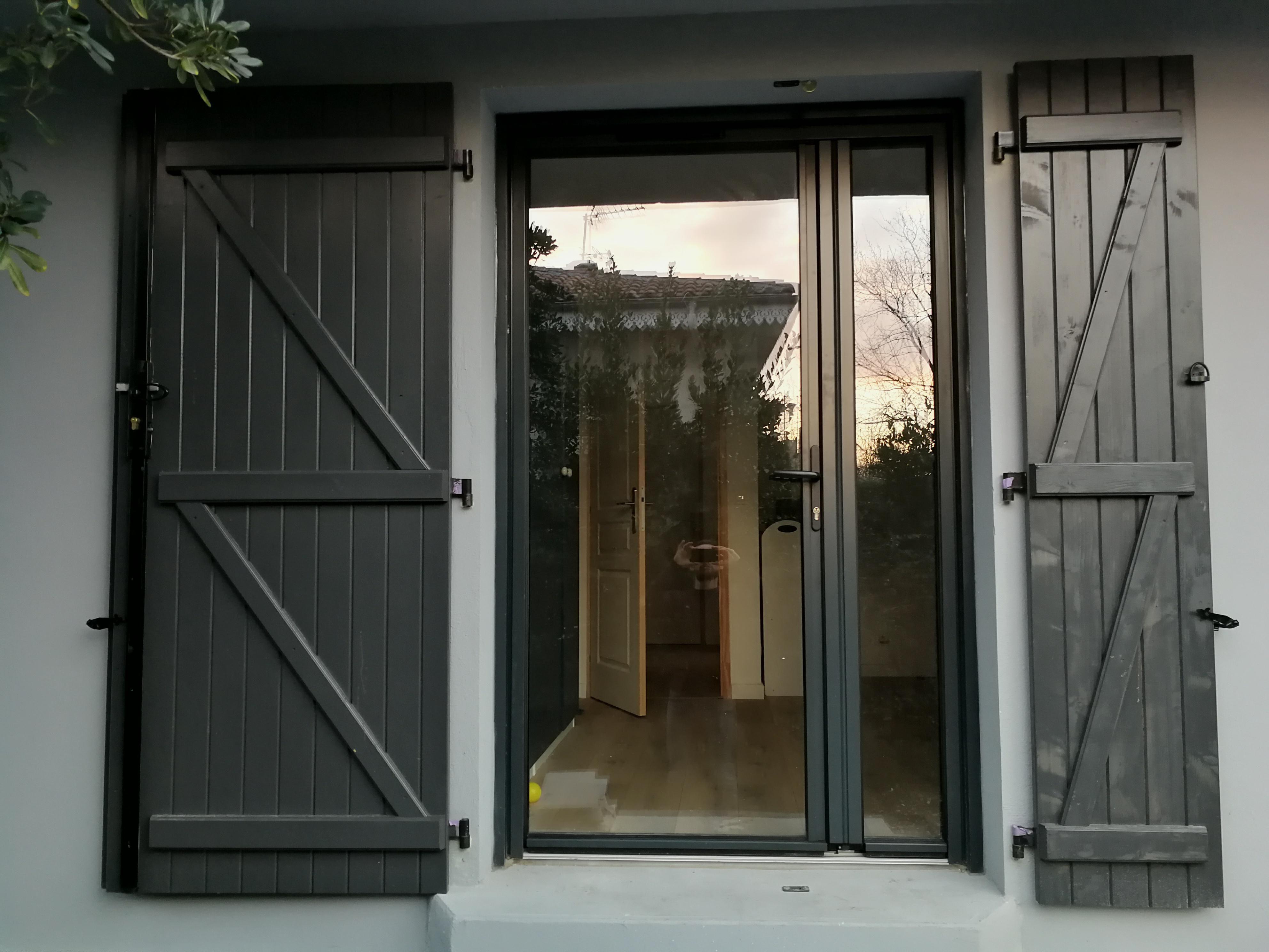 Fourniture Et Pose D Une Porte Fenetre Tierce En Alu Ral 7016 Porte Fenetre Fenetre De Toit Maison Design