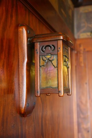 Greene And Greene Wall Sconce Mahogany Ebony Iridescent Glass And Lead Came Designed Fo Arts And Crafts Furniture Art And Craft Design Craftsman Lighting