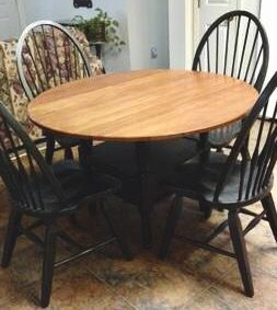 Broyhill Attic Heirlooms Petite Drop Leaf Table With Four Windsor