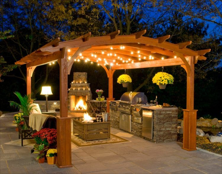 pergola bauen mit grill und kamin hofk che modern aber. Black Bedroom Furniture Sets. Home Design Ideas
