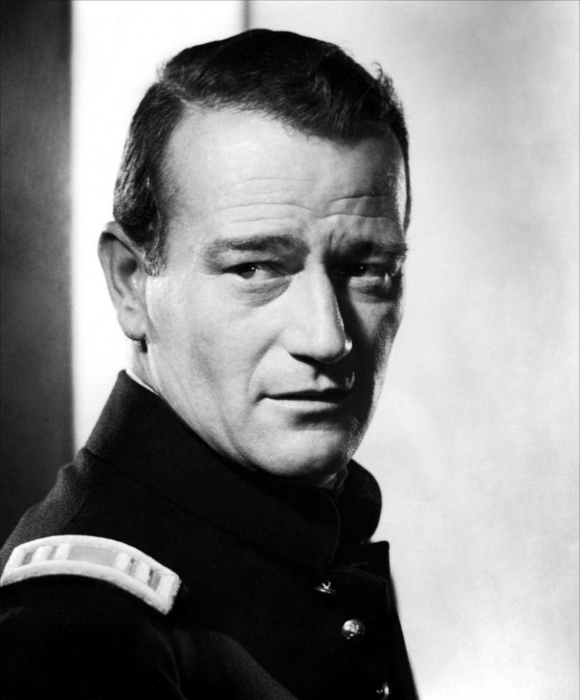John Wayne   John Wayne prend du galon dans Le massacre de Fort Apache, 1948.