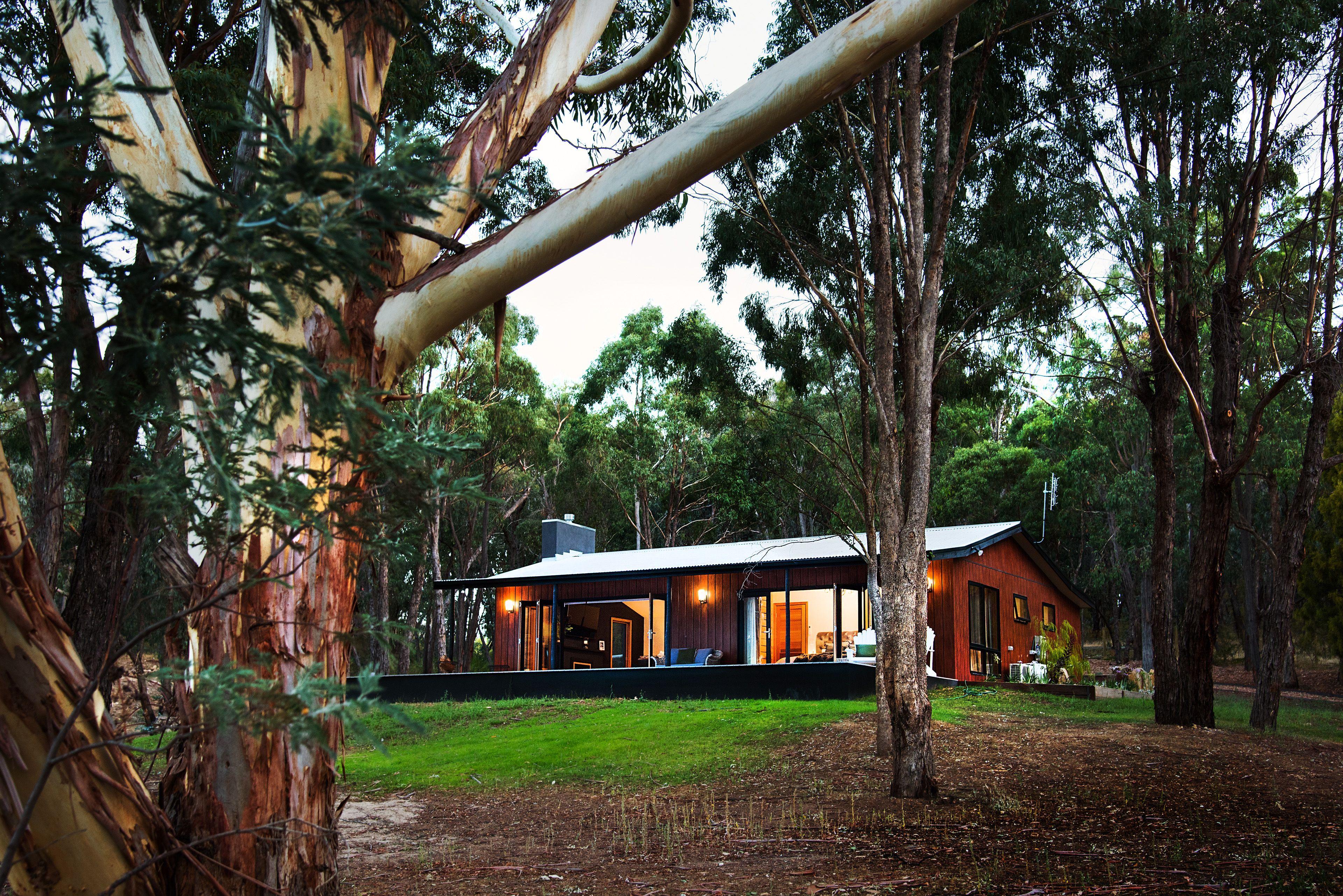 Daylesford & Hepburn Springs, Victoria, Australia Located