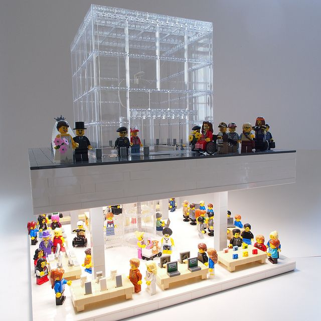 Lego Apple Store - Fifth Avenue Cube | Lego, Apples and Cube
