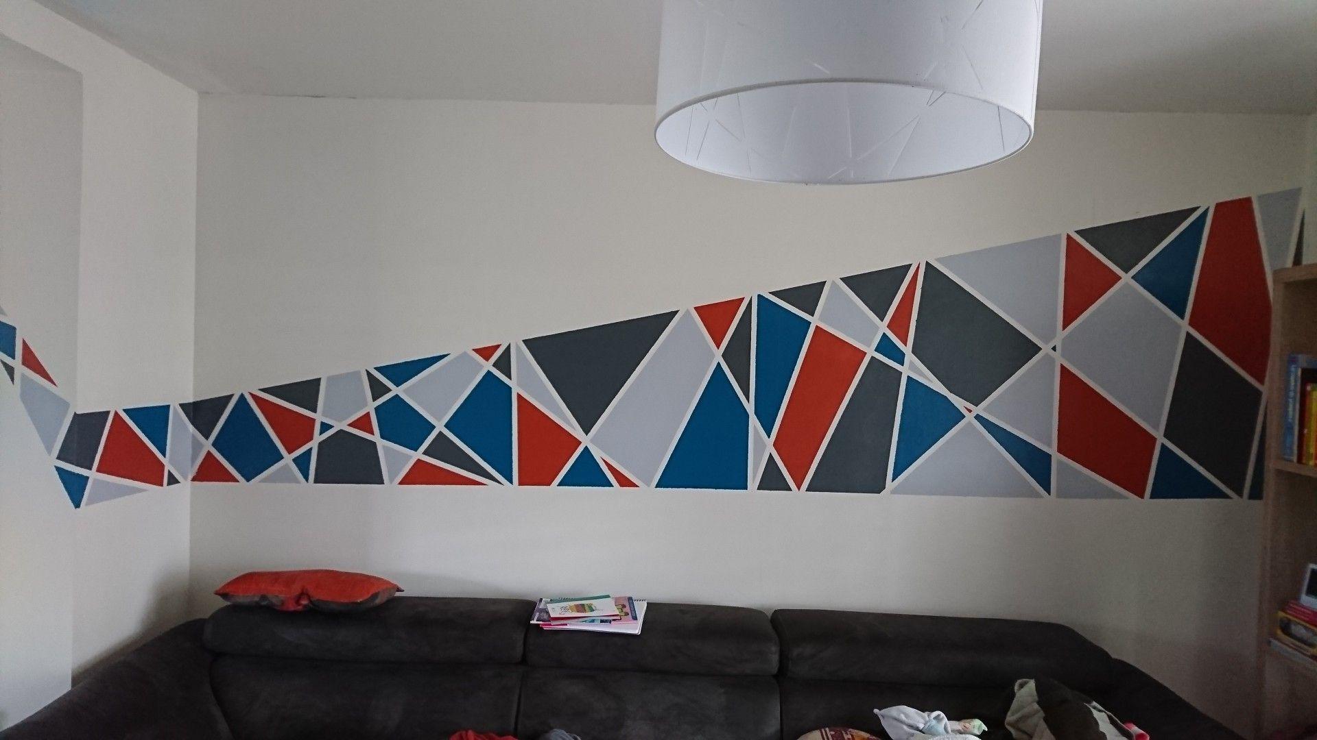 Mur Geometrique Triangle Gris Clair Et Fonce Rouge Bleu Mur