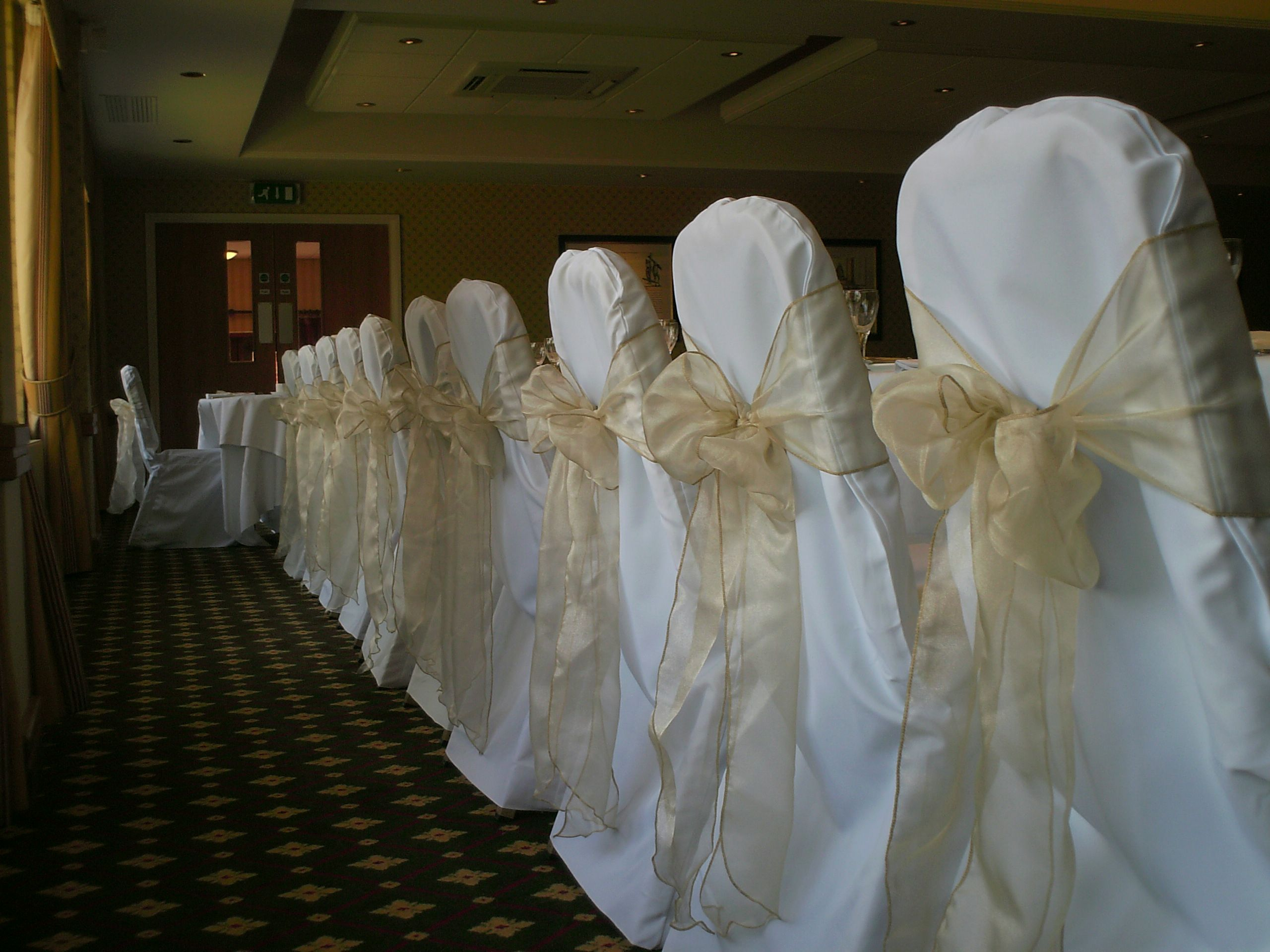 Champagne Organza Bows On White Chair Covers Chair Covers