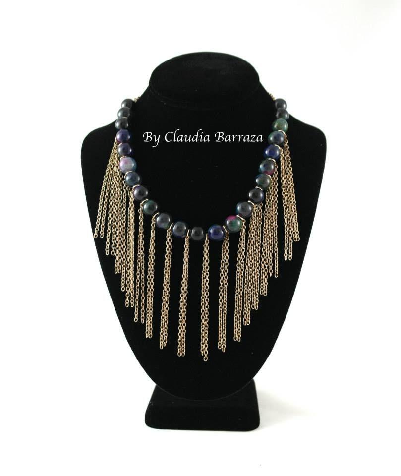 eed47bcc6d89 Collar con piedras y cadenas