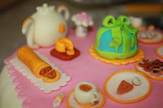 @wavegirl : Tea Set Cake - detail #cakedesign