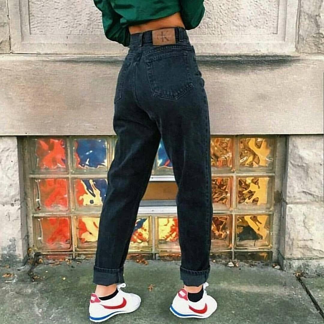 "Photo of Abbigliamento retrò su Instagram: ""??? # 90fashion # 90sstyle # 90looks # 90seralooks # 90sbabes #vintage #grunge #grungetumblr #grungeaesthetic #estetica #estetica # sembra …"""