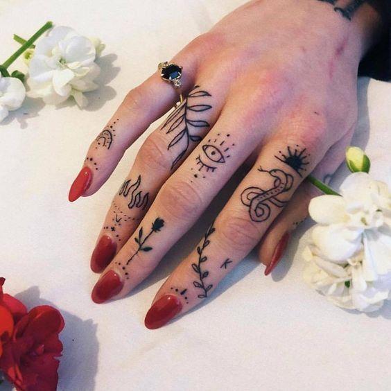 Fingertattoos | 60+ Models - Tattoos - Ideen -  Fingertattoos | 60+ Models – Tattoos – Ideen  -