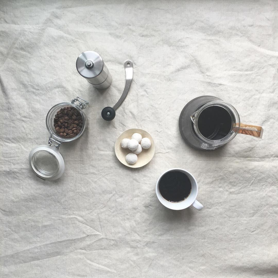 毎日のRoutine 淹れられないときは #coffee#coffeetime#coffeebreak  #coffeeserver#coffeemill#coffeebeans  #hario#porlex#bluebottlecoffee #コーヒー#ハリオ#ポーレックス#ミル http://ift.tt/20b7VYo