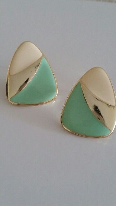 Vintage Gold and Mint Color Earrings