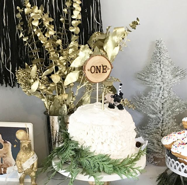 First Birthday Party Bear Theme Woodland Themed Baby Boy Winter Naked Cake One Year Old Decorations