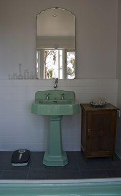Sneak Peek Best Of Bathrooms In 2020 Vintage Sink Vintage Bathrooms Bathroom Design