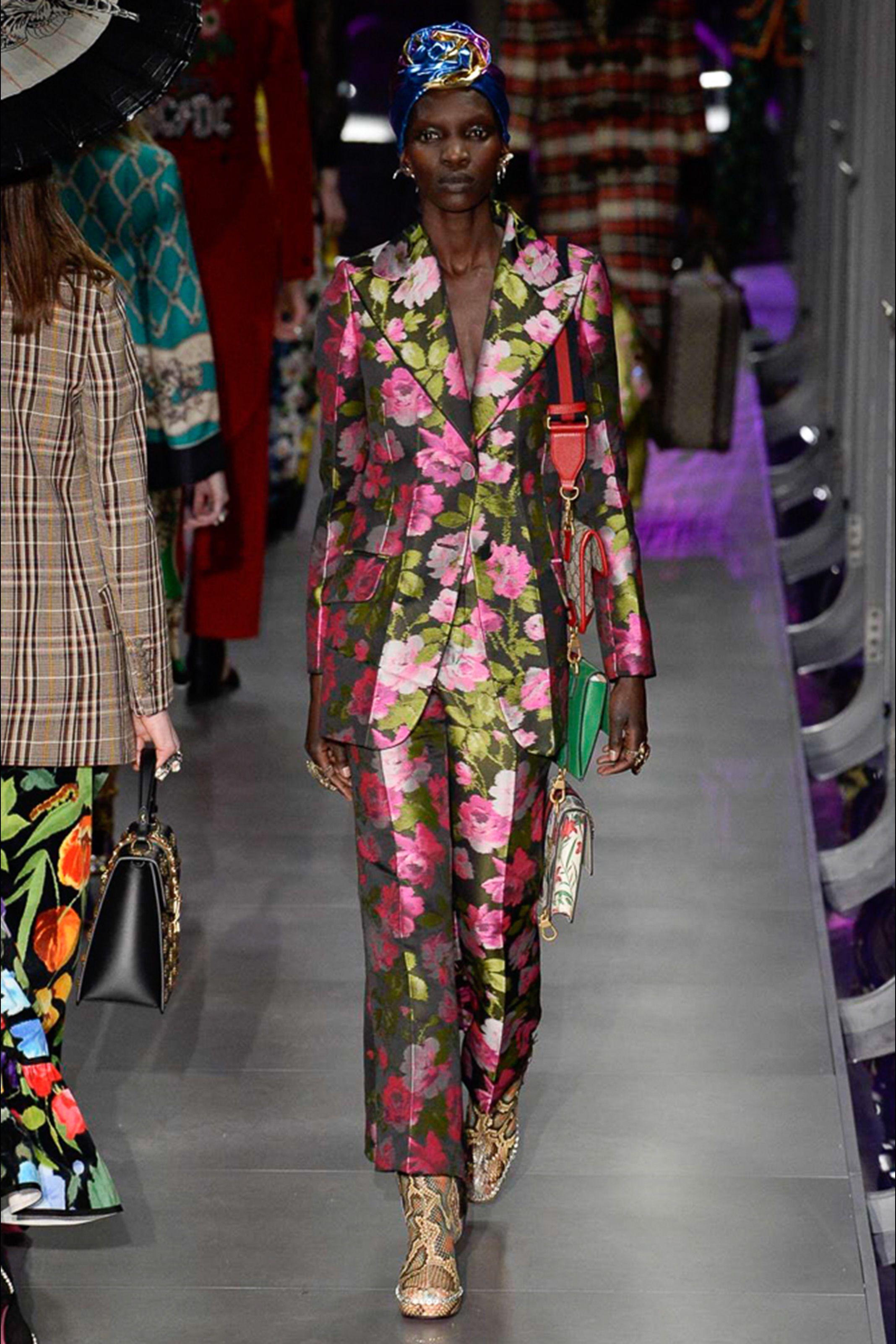 Sfilata Gucci Milano - Collezioni Autunno Inverno 2017-18 - Vogue ... f093f8429be