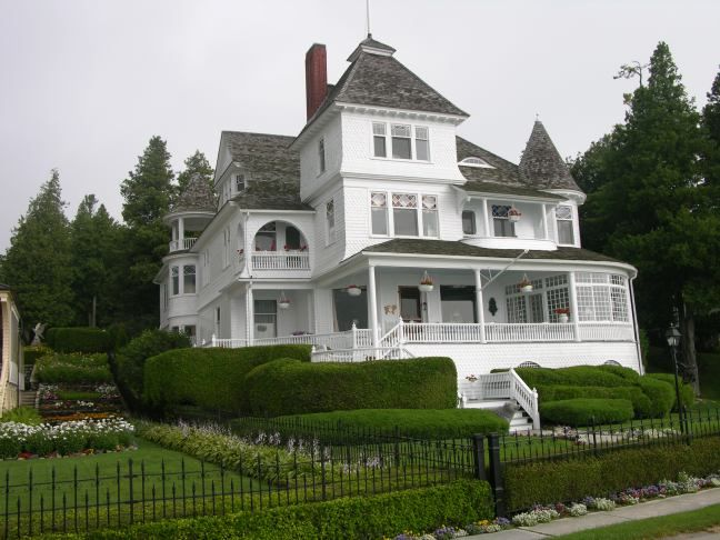 West Bluff Drive Victorian Home Mackinac Island Michigan Victorian Homes Victorian Style Homes Old Victorian Homes