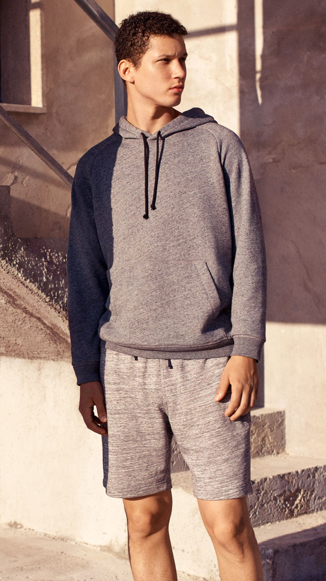 22ec42c2d09c2 Take your off-duty look to the next level in sporty basics. | H&M For Men