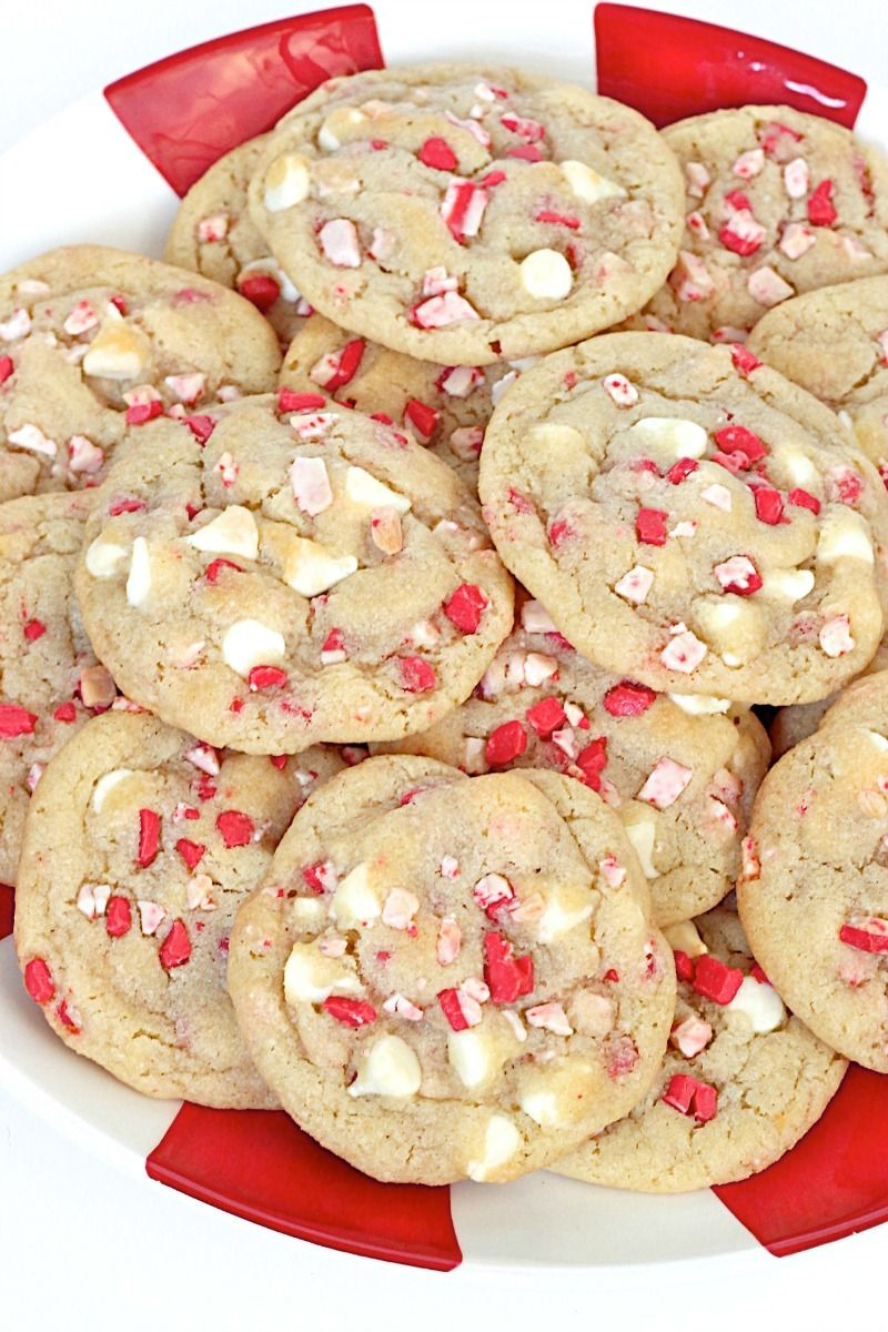 Peppermint White Chocolate Pudding Cookies - chewy, perfectly sweet and make for a festive Holiday treat! #holidaytreats