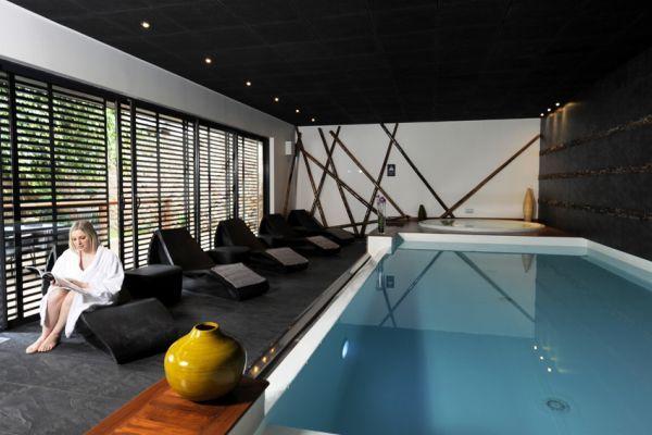 Le prix du0027une piscine intérieure  tarifs et coûts House pools and