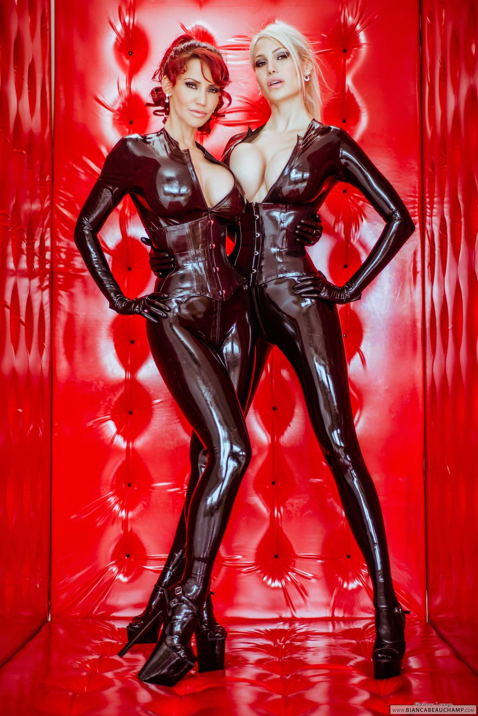 Bianca Beauchamp Dianne Kirsch Wonsch In Uberbabe Double Trouble Latex Photoshoot