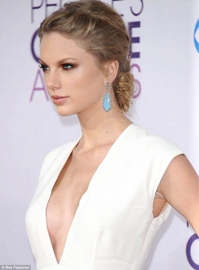 Has Taylor Swift Had A Secret Boob Job Singers Curves -1229