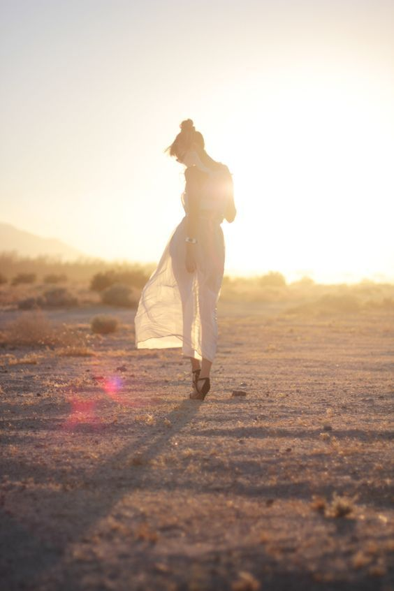 Walking into the sunset.   Photo, Desert sun, Pictures