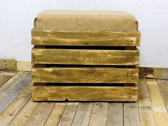 Sgabello rettangolare in legno con contenitore romanoupcycling