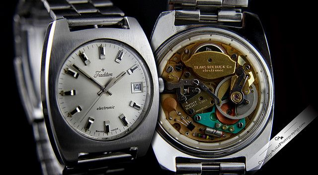 http://www.auctionlearning.com/watches.htm COLLECTORS GUIDE