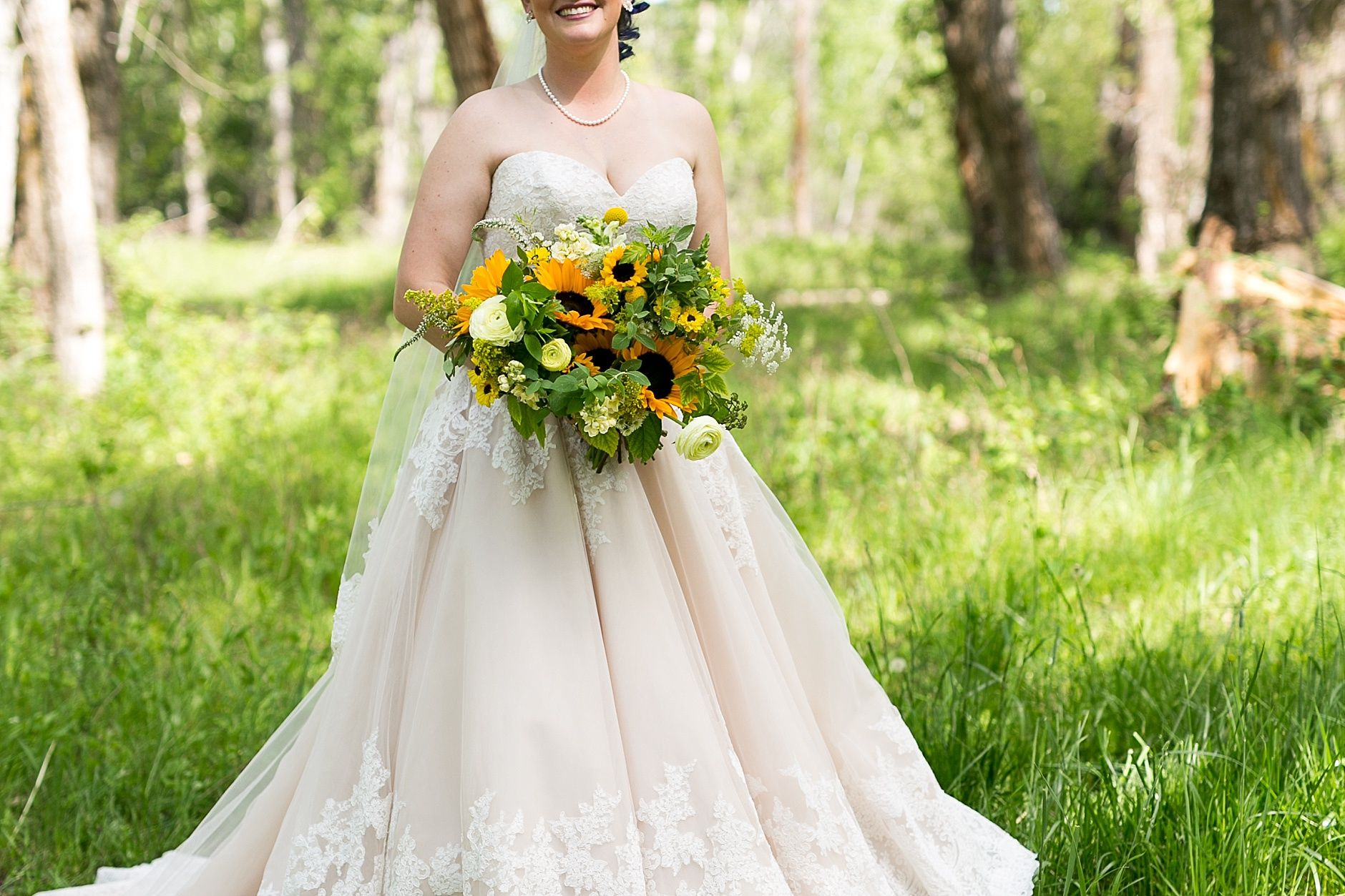 Shannon Tylers Gallatin River Wedding Was So Fun Their Venue The Hideaway Located Outside Bozeman Montana Is Beautiful