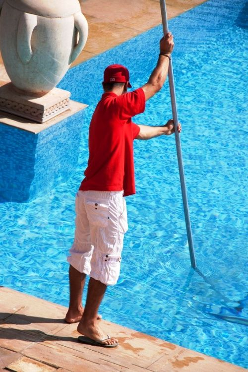 Easy Pool Cleaning Tips for your Spring Entertaining | Pool spa ...