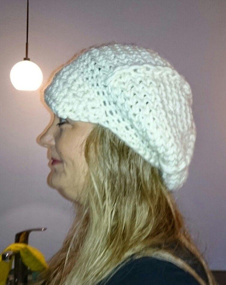 Handmade by Vissing,  hækling, hæklerier, hvid hat, garn, tøj http://svhedith.wix.com/handmadebyvissing