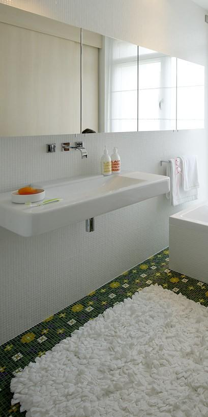 Blumenwiese Aus Mosaik Als Badezimmer Fussboden Bild 19 Badezimmer Fussboden Badezimmer Fliesen Badezimmer