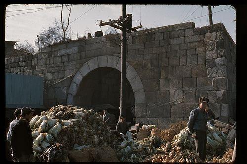 Seoul, East Minor Gate, Kwanghuimun and market (Ch'unhmu-ro at Ulchiro 7-ha) Dec 1966 | Photo by Stephen Dreher.