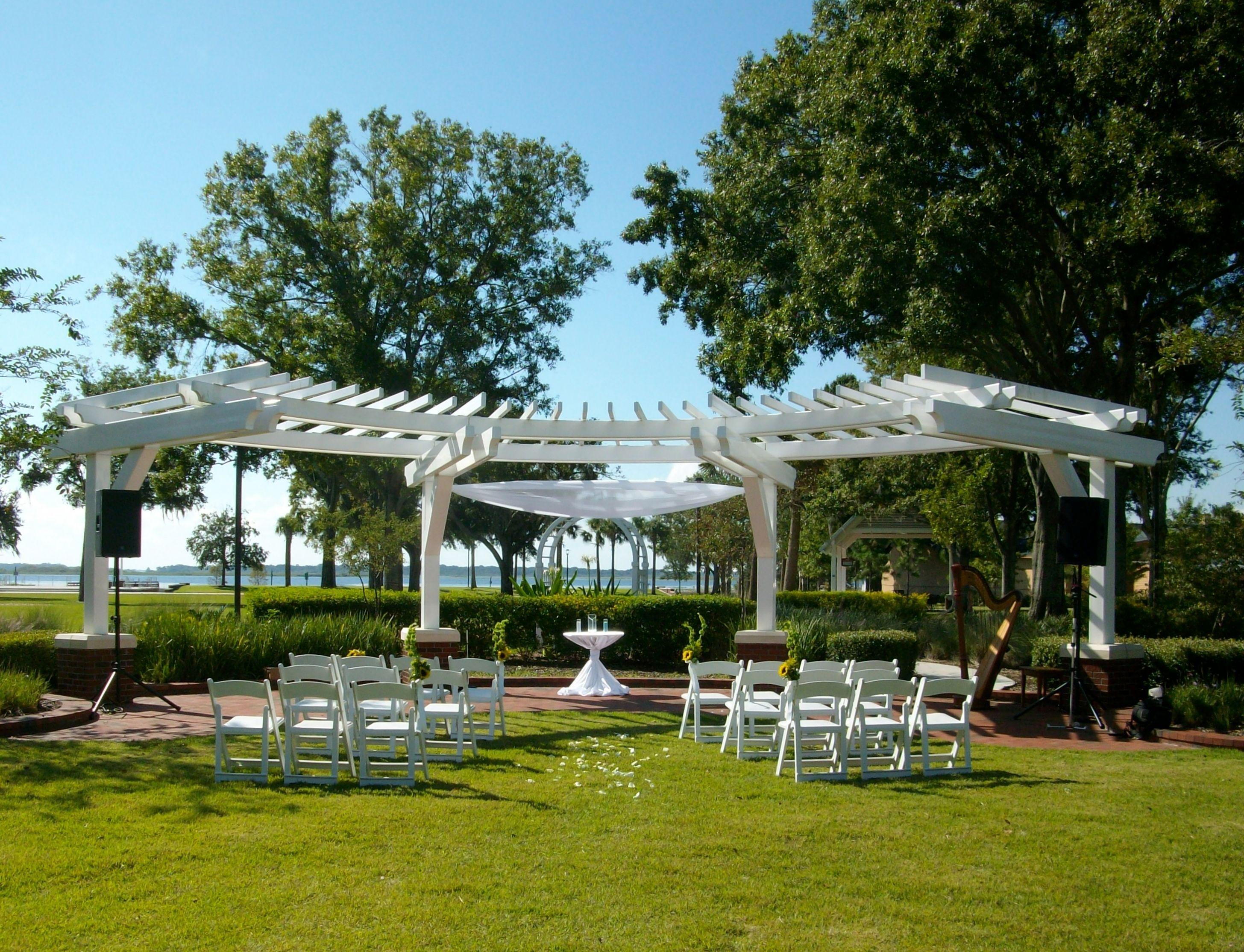 Trellis Outdoor Wedding Ceremonies: Wedding Trellis At Kissimmee Lakefront In Florida