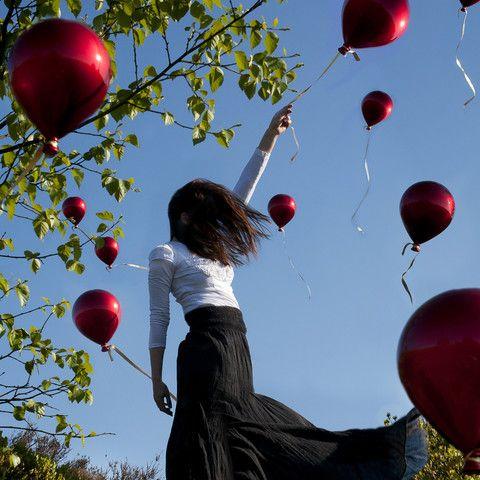 Ninety Nine Dreams (by Nicola Taylor) [red balloons]