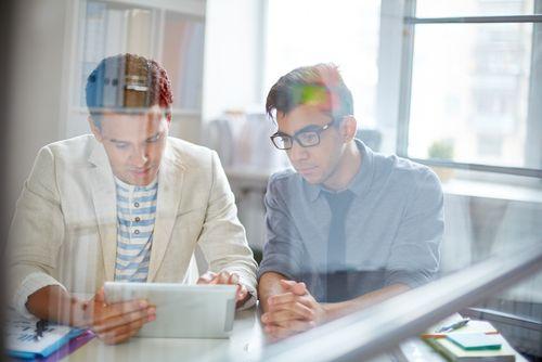 Ein Zielgruppenbrief ermöglicht Ihnen, zielgenau und ohne Streuverlust den Arbeitsmarkt zu erschließen - noch bevor eine Stelle ausgeschrieben wird... PLUS: Jetzt 2 Bücher dazu gewinnen!  http://karrierebibel.de/zielgruppenbrief/