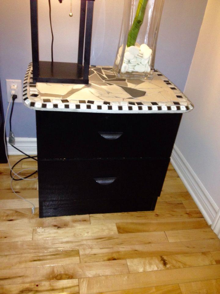Table de chevet en mélanine noir que j\u0027ai recyclé en sablant la - Peindre Table De Chevet