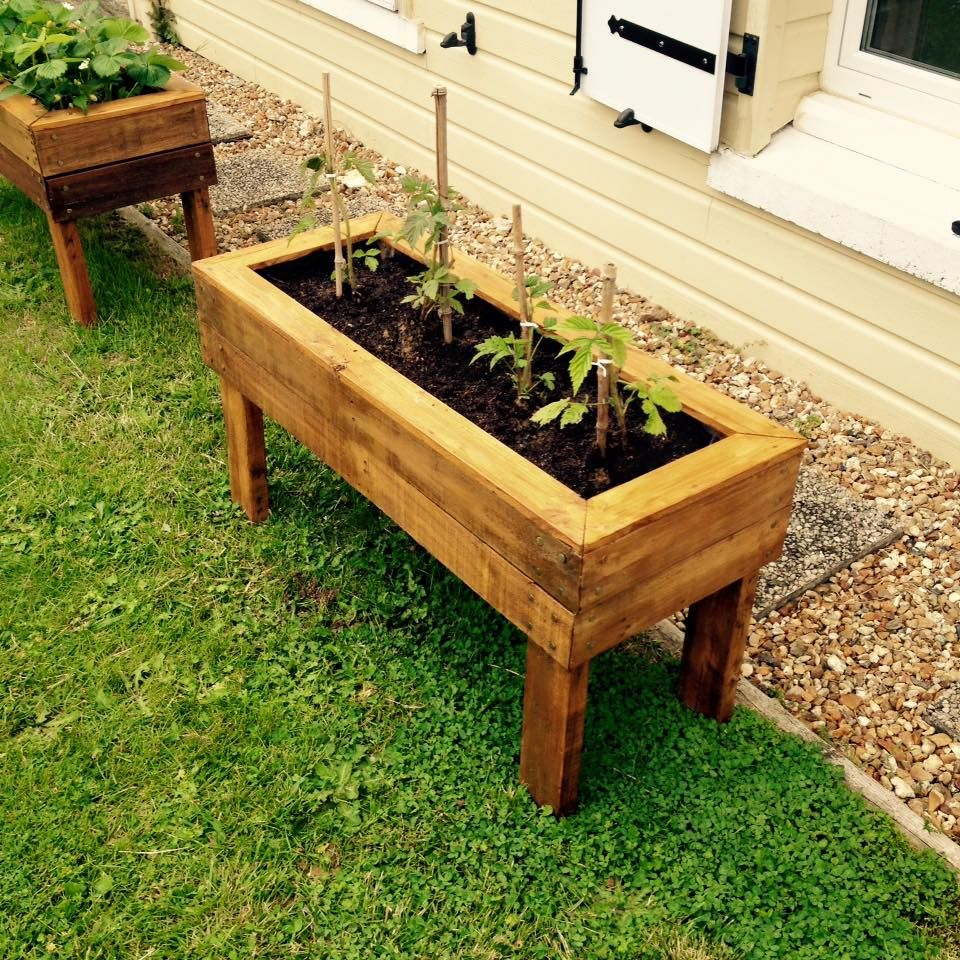 Planter boxes from pallets 99 pallets nature vs for Vegetable garden planters
